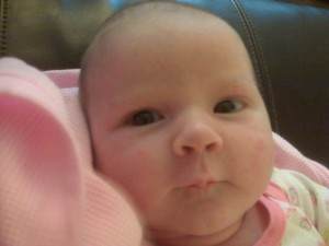 Avelynn awake face at 5 weeks